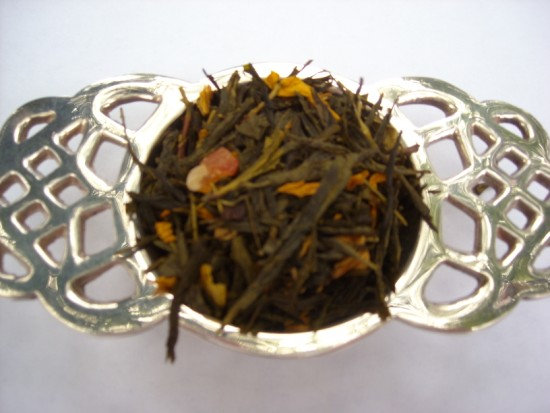 Crime of Passion Green Tea - Memories of the Copacabana Beach in Rio.  Papaya, sunflower petals and criminally exotic passion fruit notes infuse this superior green tea.