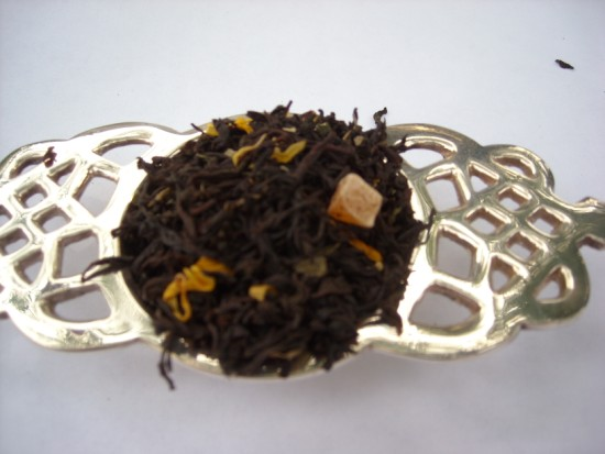 Peach Apricot Black Tea - A flavorful, tasty combination of mellow peaches with deep, full-flavored apricots that makes a stunning bright and coppery tea.